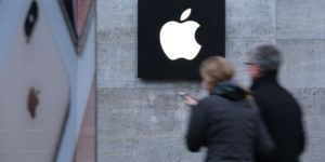 Apple reportedly discussed buying Intel's smartphone-modem chip business