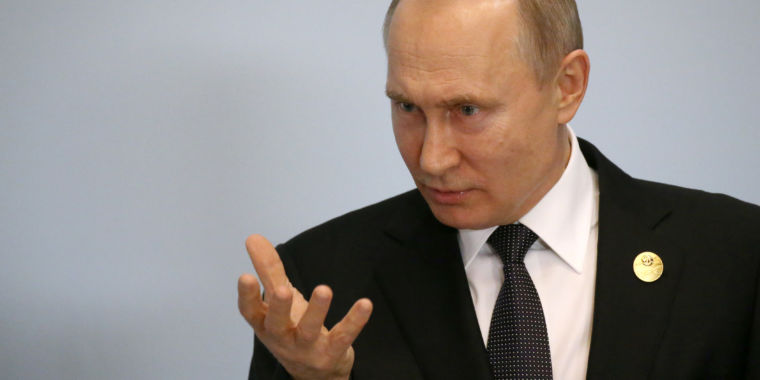 "Putin signs ""Internet sovereignty"" bill that expands censorship"