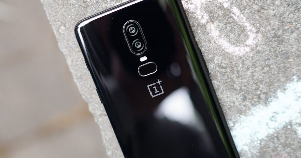OnePlus: OnePlus 7 Pro Has Water Resistance, But Please Don't Drop It in Water