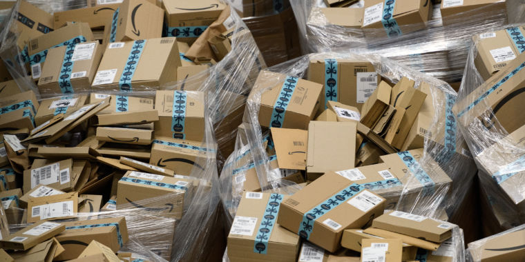 Amazon to employees: Quit your job, we'll help you start a delivery business