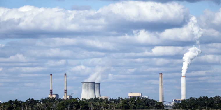 IEA: Nuke retirements could lead to 4 billion metric tons of extra CO2 emissions