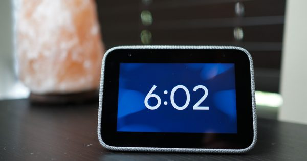 Lenovo Smart Clock Review: About as Exciting as a Clock Can Be