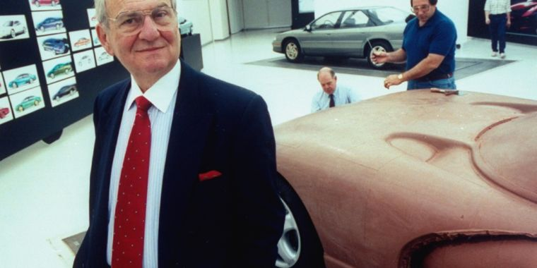 Lee Iacocca, who gave us the Minivan and the Mustang, dies at 94
