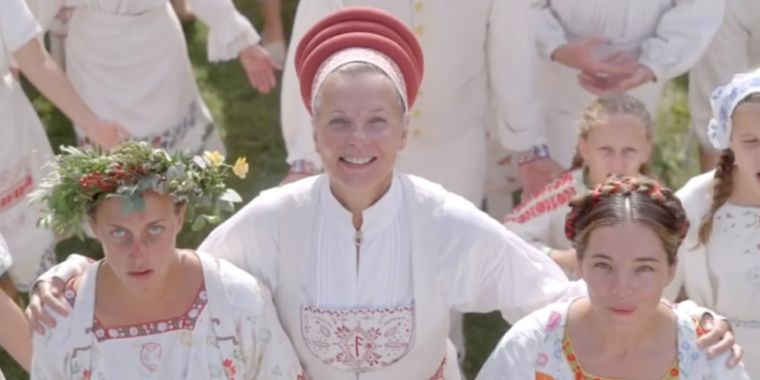 Midsommar is a slasher film with artsy ambitions that doesn't quite work