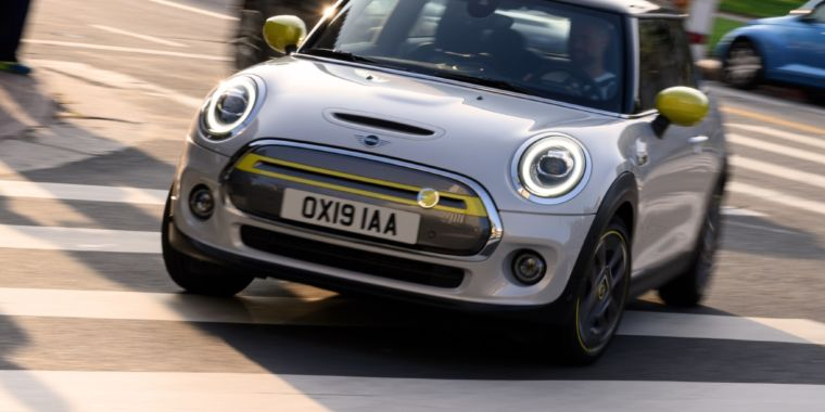 The electric Mini is going into production; deliveries start early 2020