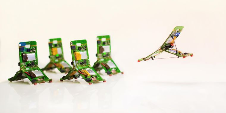 Tiny robot leaps around carrying its own battery, electronics